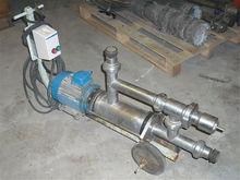 Eccentric rotor pump