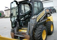2012 NEW HOLLAND L220