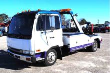 1995 NISSAN UD 1800 WRECKER TOW