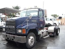 1998 MACK CH613 CAB CHASSIS