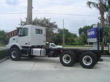 2016 VOLVO VHD84B Dump truck