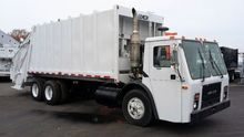 2003 Mack LE 613 Garbage truck