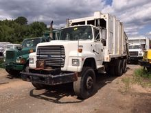1994 FORD L9000 GARBAGE TRUCK