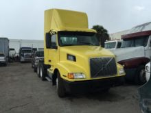 Used 2001 VOLVO 610