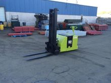 Used YALE Forklift S