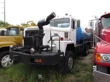 1984 INTERNATIONAL 5000 TANKER