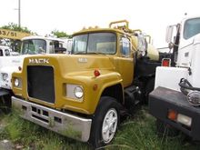 1978 MACK R600 SEPTIC
