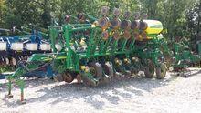 2010 John Deere 1790 Planters