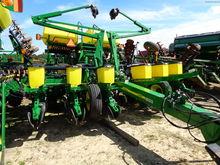2013 John Deere 1760 Planters