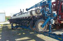 2008 Kinze 3600 Planters