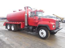 1998 MACK RD688S Vacuum truck
