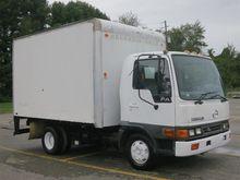 2002 HINO FA1517 Box truck - st