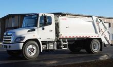 2016 HINO 268A Garbage truck