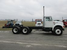 1999 INTERNATIONAL 4900 BUCKET