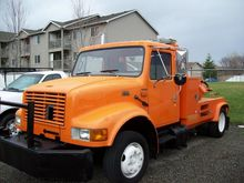 2001 INTERNATIONAL 4700 WRECKER