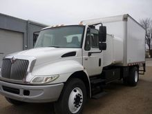 2006 INTERNATIONAL 4400 FUEL TR