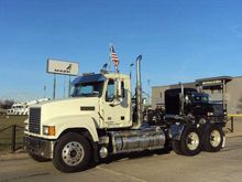 New 2016 MACK PINNAC