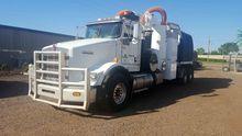 2013 KENWORTH T800 VACUUM TRUCK