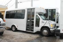 2003 FORD E-SERIES BUS