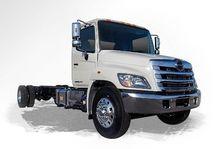 2017 HINO 268 Box truck - strai