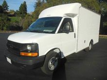 2003 CHEVY EXPRESS 11FT BOX TRU