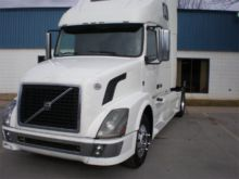2010 VOLVO VNL42T670 CONVENTION