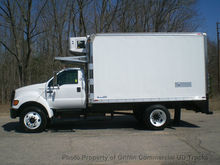 2005 FORD NON CDL UNDER 26,000