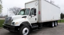 2005 INTERNATIONAL 7400 BOX TRU