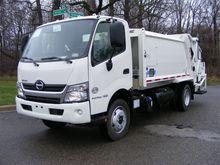 2017 HINO 195 Garbage truck
