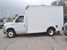 2016 Ford E-350 Box truck - str