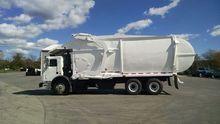 2005 Mack MR 688S Garbage truck
