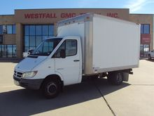 2006 DODGE 3500 BOX TRUCK - STR