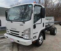 2016 ISUZU NPR Box truck - stra