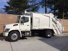 2017 HINO 268A GARBAGE TRUCK