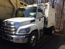 2016 HINO 338 Garbage truck