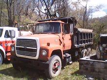 1978 FORD DUMP TRUCK
