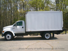 2004 FORD F650 JUST 24K MILES N