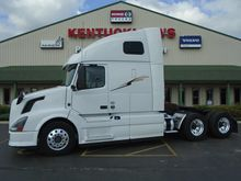 Used 2013 VOLVO VNL