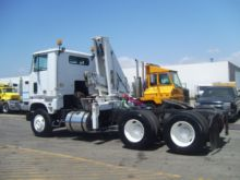1985 FORD CL9000 BUCKET TRUCK -
