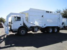 2001 MACK MR690S GARBAGE TRUCK