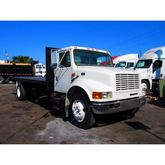 2001 INTERNATIONAL 4700 FLATBED