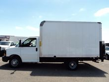 2011 CHEVROLET EXPRESS BOX TRUC