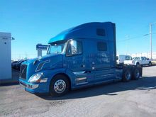 New 2016 VOLVO VNL64