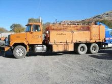 1999 AUTOCAR ACL64 FUEL TRUCK -
