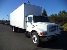 2000 INTERNATIONAL 4700 BOX TRU