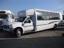 2003 KRYSTAL KOACH KK33 BUS