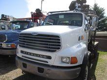 2005 STERLING LT9513 CRANE TRUC