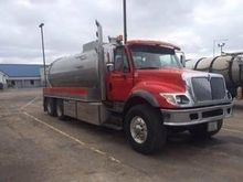 2005 INTERNATIONAL 7500 VACUUM