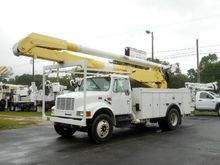 2000 INTERNATIONAL 4300 Bucket