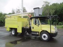2007 INTERNATIONAL 4300 Bucket